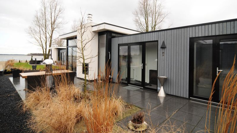 Droompark badhoophuizen veluwemeer cube bungalows for Wanders chalet